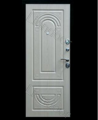 Входная дверь Лион-18
