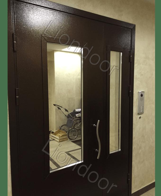 нестандартная входная металлическая дверь