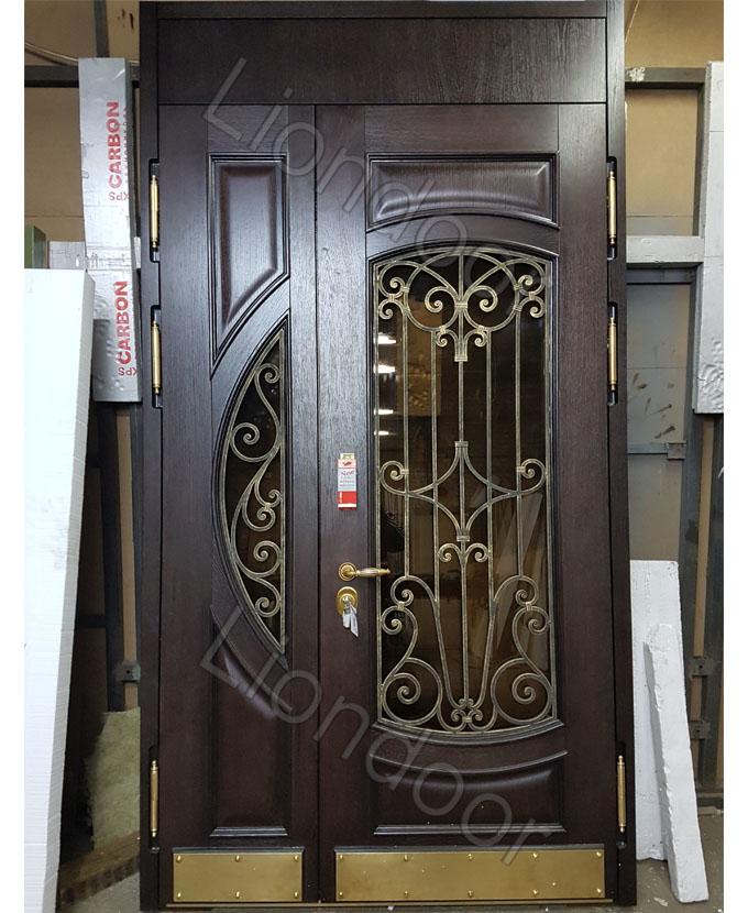 входная дверь в частный дом