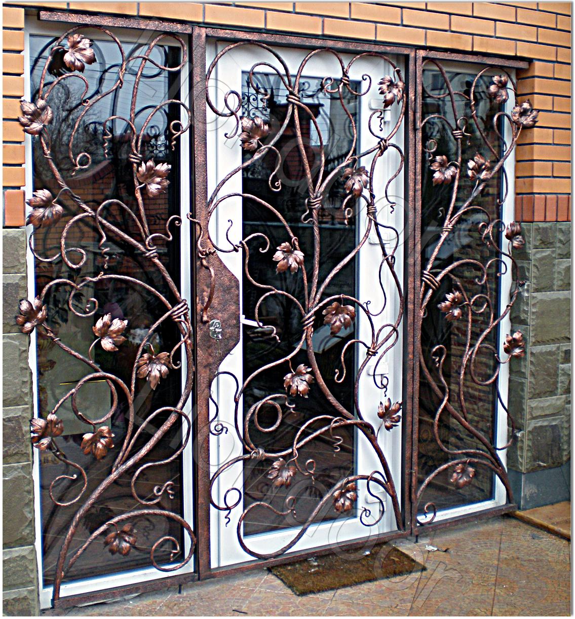 Входные стальные решетчатые двери от производителя